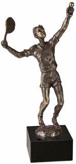 "Skulptur ""Tennisspieler"""